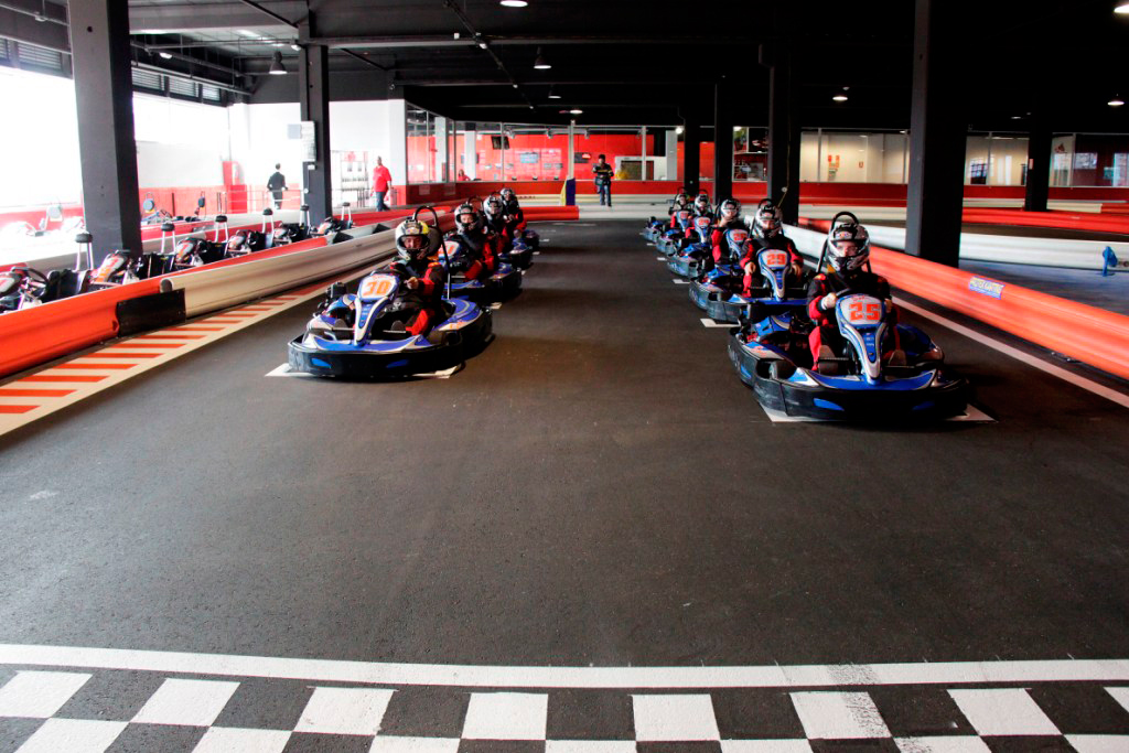 karting-indoor-plaza-2